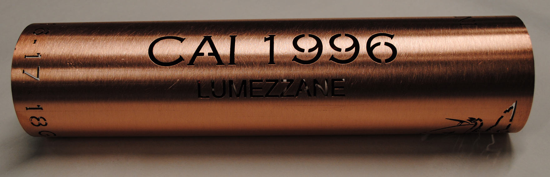 taglio laser su tubo in rame